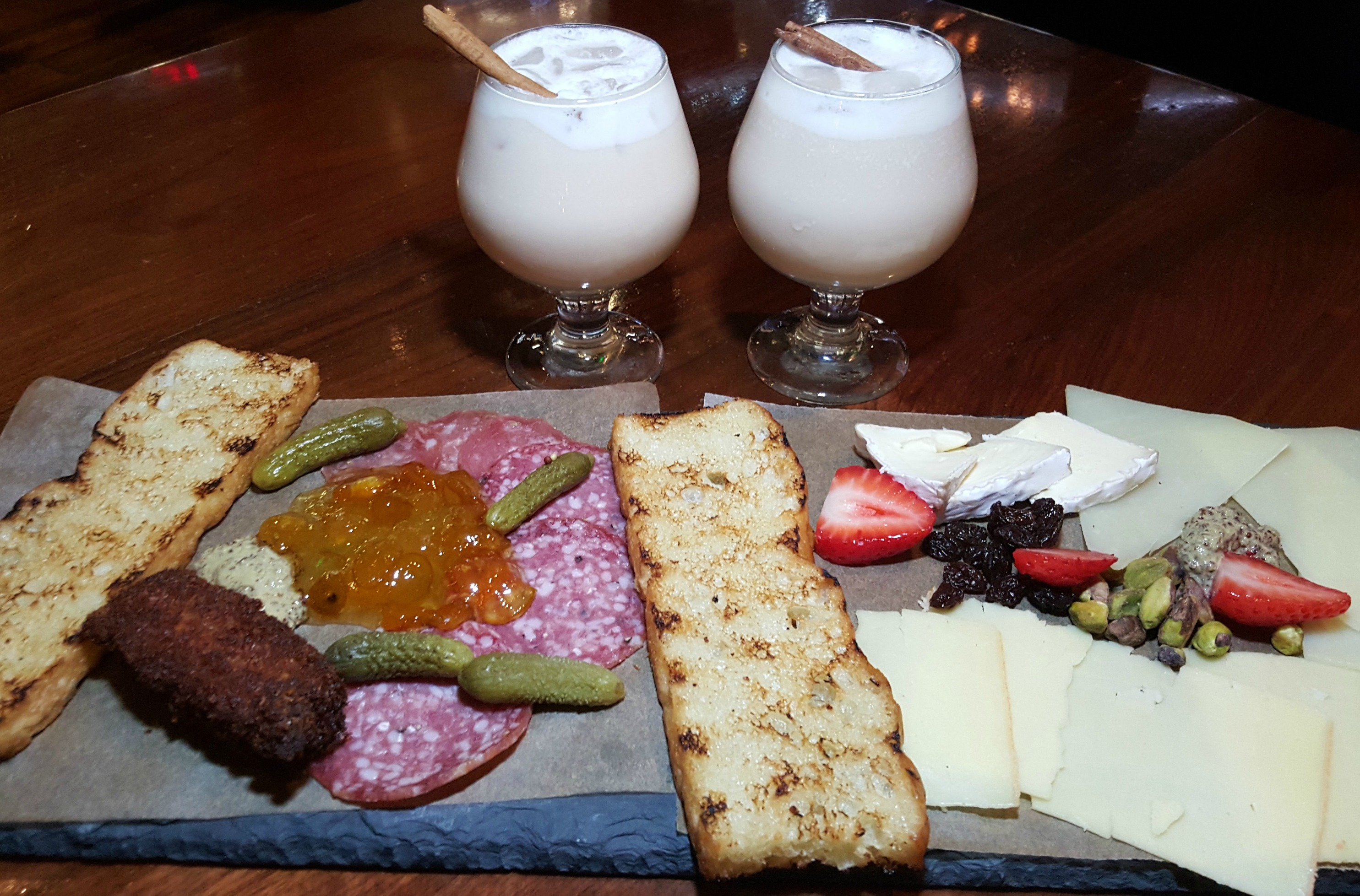 City-Tavern-Cheese-Platter-DTLA-Fig-AT-7th