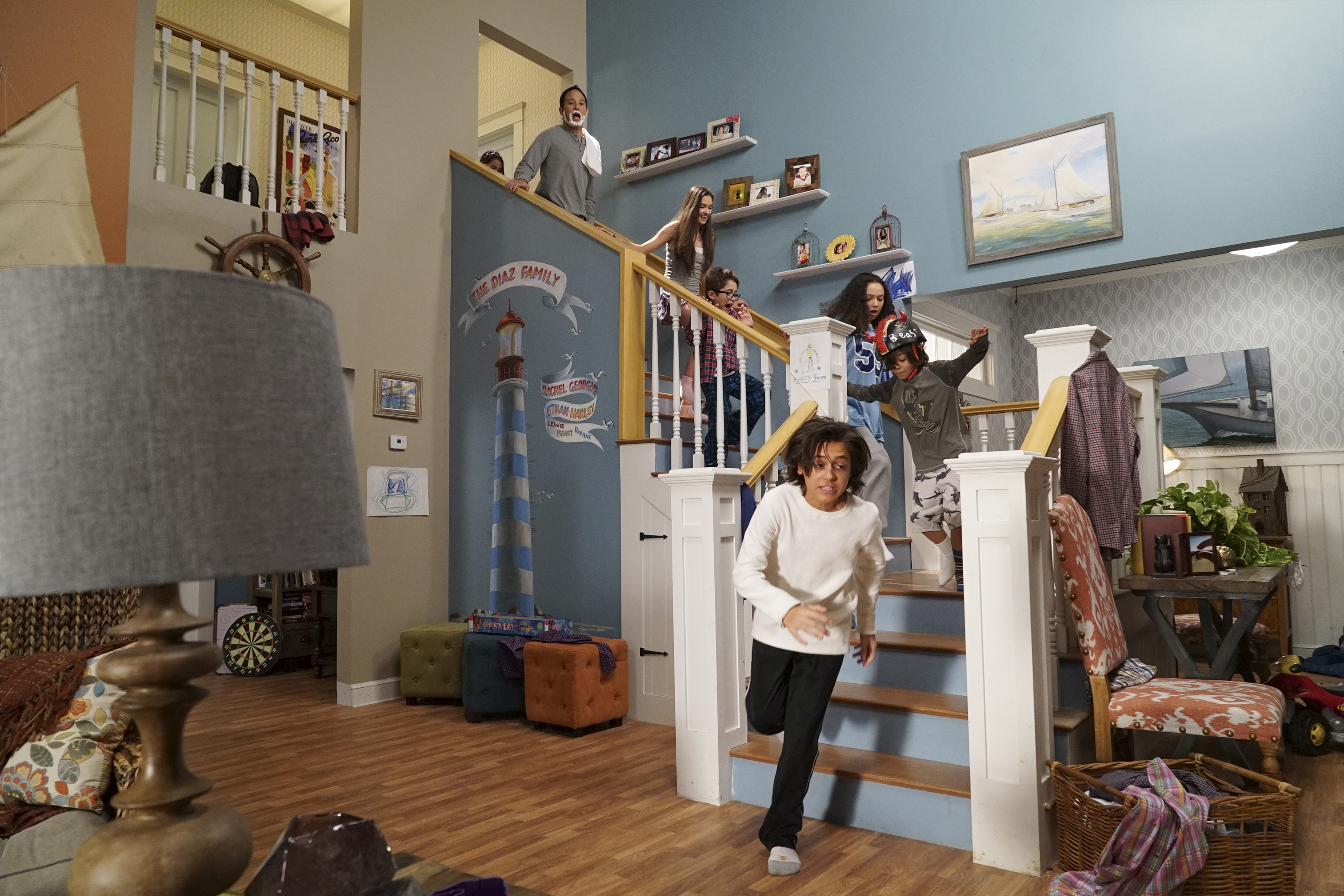 """STUCK IN THE MIDDLE - """"Stuck in the Middle"""" - Avid inventor Harley is all set to accept a community award, but must first devise a way to get her family out of the house and to the ceremony on time. This episode of """"Stuck in the Middle"""" airs Sunday, February 14 (8:45 - 9:15 PM EST), on Disney Channel. (Disney Channel/Eric McCandless) ARIANA GREENBLATT, JOE NIEVES, RONNI HAWK, NICOLAS BECHTEL, KAYLA MAISONET, MALACHI BARTON, ISAAK PRESLEY"""