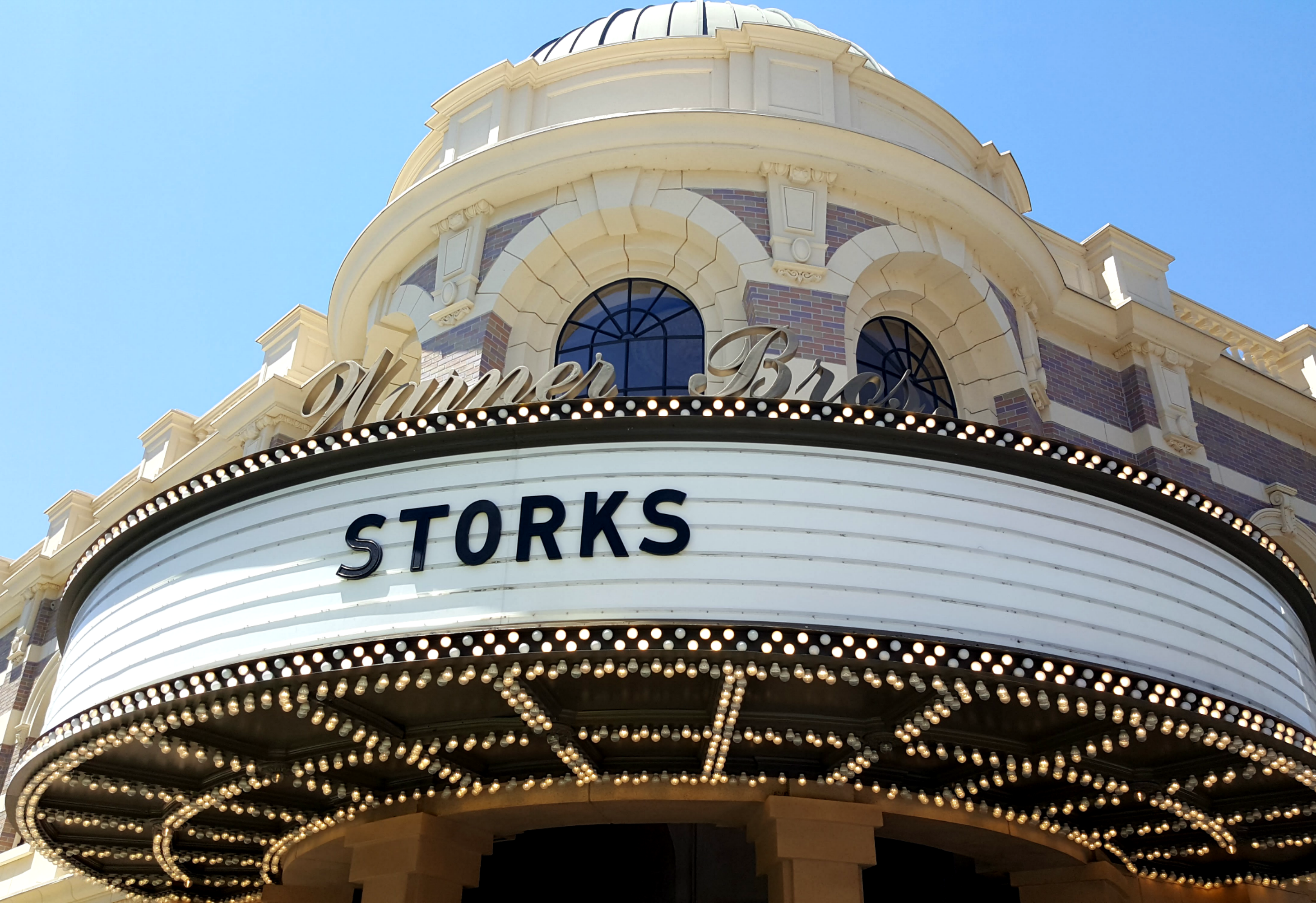 storks-theater
