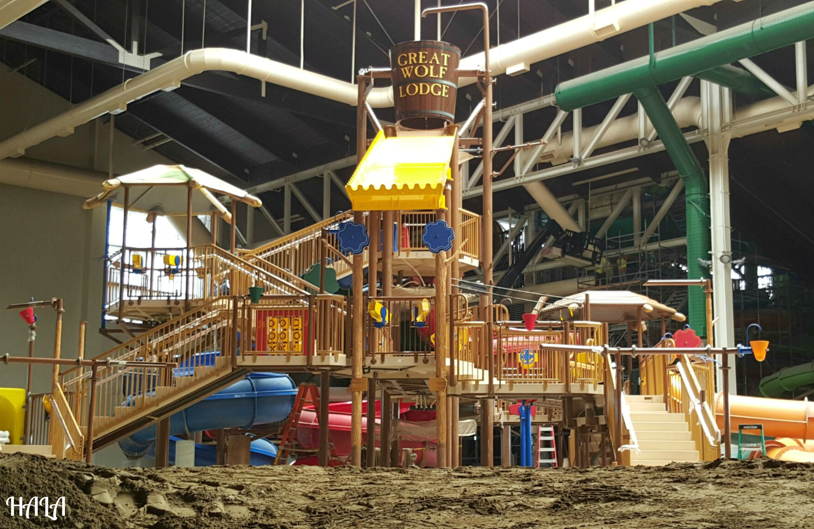 Hard hat tour at the great wolf lodge near disneyland for Garden rooms near me